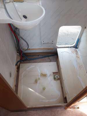 R novation de mon camping car pilote ann e 2000 2013 sera - Installer une douche dans une caravane ...