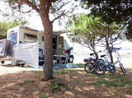 tout savoir sur le camping car. Black Bedroom Furniture Sets. Home Design Ideas